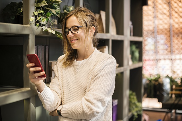 woman sms texting